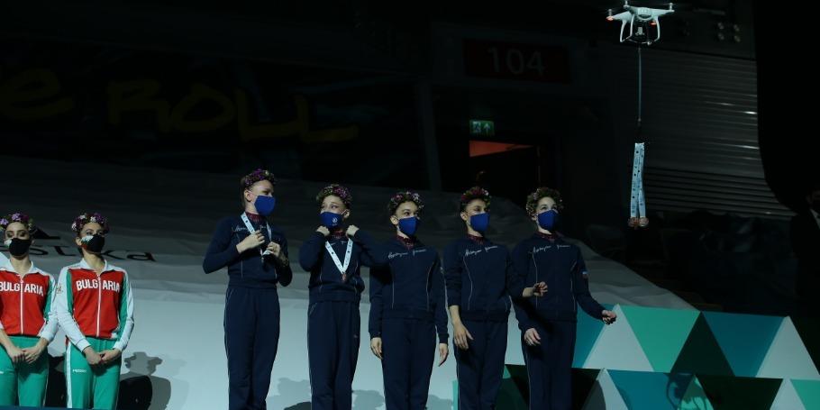 Bakıdakı Dünya Kubokunda medalların dronla təqdimatı
