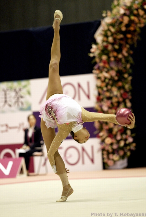 AN AZERBAIJANI JUNIOR GYMNAST WINS THE BRONZE MEDAL IN THE TOURNAMENT IN MOSCOW