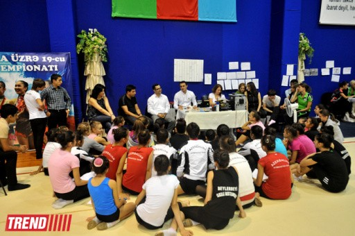 AN OLYMPIC CHAMPION MET WITH THE MEMBERS OF THE AZERBAIJANI NATIONAL TEAM IN GYMNASTICS
