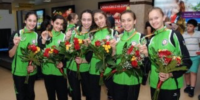 Azerbaijani gymnasts, who successfully competed at the European Championships, come back to Baku