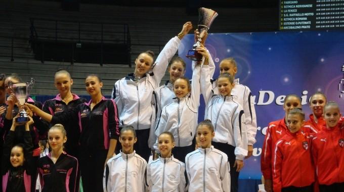 Азербайджанская гимнастка успешно выступила в Италии