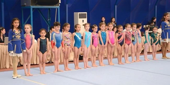 Qadın idman gimnastları arasında qaliblər müəyyənləşdi