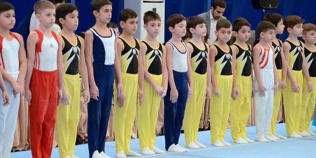 Gimnastikanın iki fərqli növü üzrə təşkil olunmuş birgə yarışlar bu gün başa çatdı
