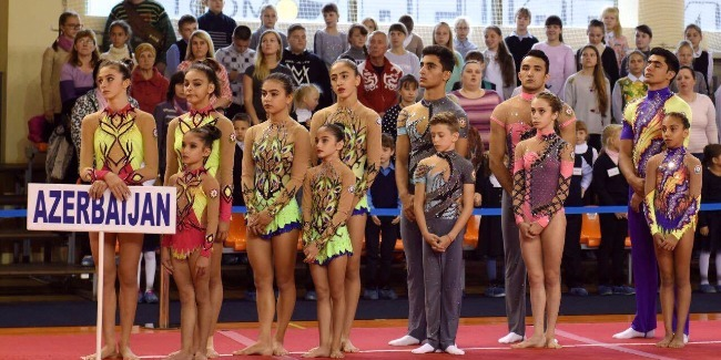 Akrobatlarımız qızıl və gümüş medal qazandılar