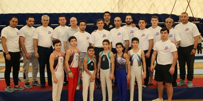 FIG Akademiyası Bakıda kişi idman gimnastikası üzrə məşqçilik kursları keçirir