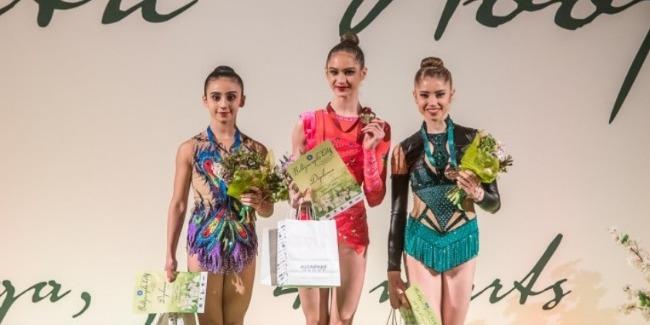 Bədii gimnastlarımız vətənə 4 medalla qayıtdı