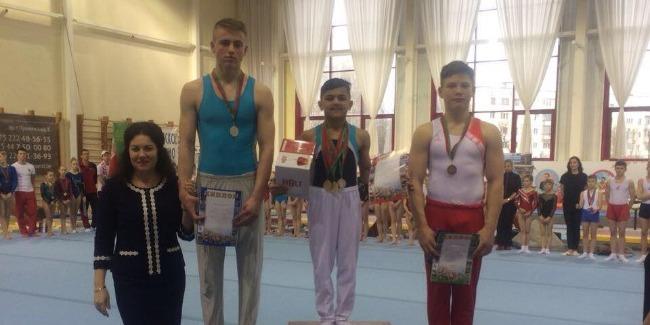 Yeniyetmə idman gimnastlarımız ilk qızıl medallarını qazandılar