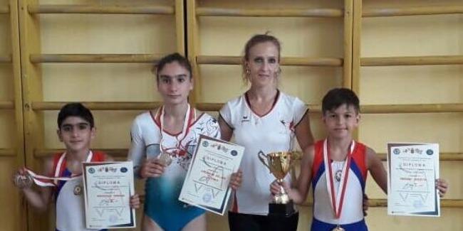Batutçularımız beynəlxalq turniri medallarla başa vurdu