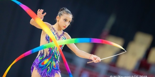 Dünya Çempionatında fərdi gimnastların çıxışları sona çatdı