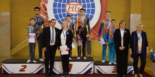 Наши акробаты завоевали 2 медали на международном турнире