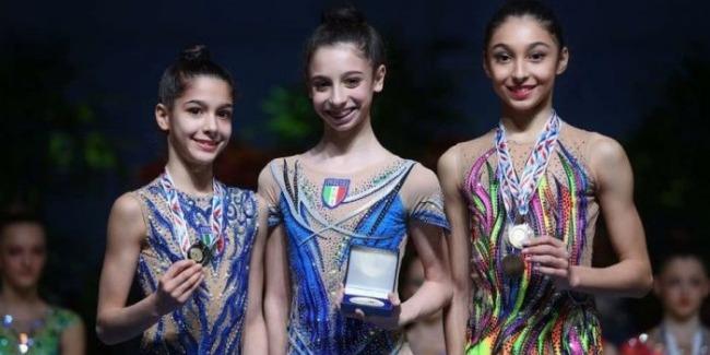 Bədii gimnastımız 2 bürünc medal qazandı