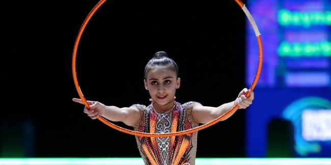 Zohra Aghamirova succeeds to reach Hoop Final at the European Championships