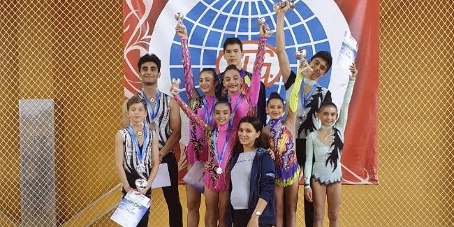 Our acrobats win 3 medals