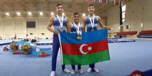 Gimnastlarımız Gürcüstandan medallarla qayıdır