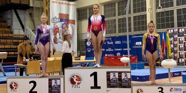 Qadın idman gimnastlarımız Polşadan medallarla qayıdır