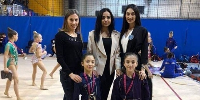 Our Rhythmic gymnast returns with the Bronze medal from Hungary